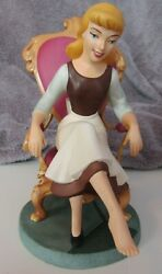 Wdcc Disney Cinderella Figure Fit For A Princess Glass Slipper Royal Fitting