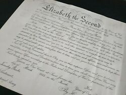 Queen Elizabeth Ii R Signed Document Autograph Military Appointment Commission