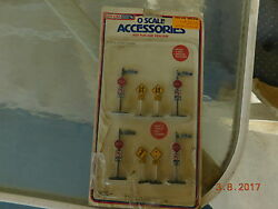 Vintage Life Like Stop And Street Signs Train O Scale Accessories