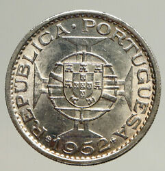 1952 Macau Under Portugal Silver 5 Patacas With Coat Of Arms Vintage Coin I93553