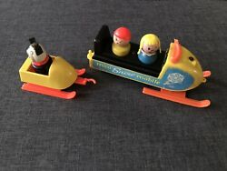 Vintage Fisher Price Little People 705 Mini Snowmobile W/trailer Boy Girl And Dog