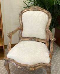 2 Traditional Accent Chairs In Antique Style Beige Wood/white Cushioned.