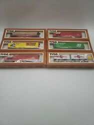 Lot Of 18 Tyco Ho Scale Train Cars And Atlas Ranch House
