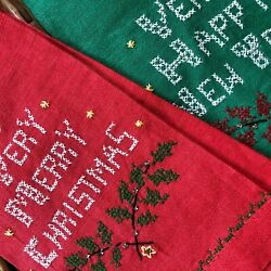 Vintage 50s Christmas Red Green Linen Embroidered Hand Towels Holiday Mcm