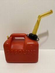 Vintage 1990 Chilton P10 1 Gallon Vented Gas Can With Spout