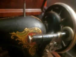 Vintage Singer Sewing Machine Ex Condition 1910 Rare Working Needs Tlc 15 Made