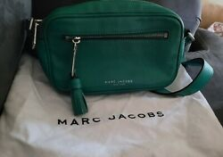 Marc Jacobs Zoom Crossbody Womens Purse Green Great Condition Dust bag too $38.00