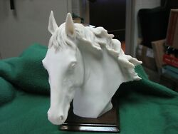 Beautiful A. Belcari 10 Resin/porcelain Horse Statue Made In Italy  Mint