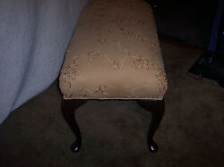 Queen Anne Oak End Of Bed Bench / Entry Bench / Vanity Bench Bn12