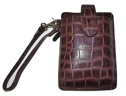 NEW ITALIA LEATHER WOMEN#x27;S CROC EMBOSSED CELL PHONE WRISTLET ID WALLET BROWN $24.95