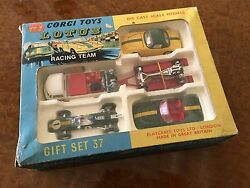 corgi toys mib lotus racing gift set no 37