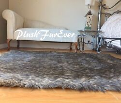48quot; x 58quot; Black Tip Wolf Plush Rectangle Area Lodge Cabin Decor Accents Home Rug