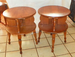 Pair Of Round Mid Century Maple Side Tables / End Tables Cs-t335