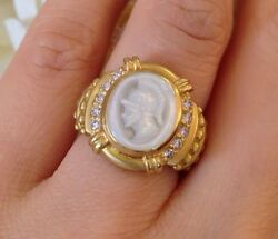 Judith Ripka Intaglio Ring With Mother Of Pearl And Diamonds 18k Yg - Hm1409i