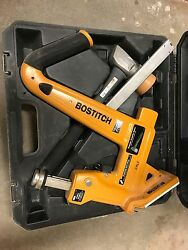 Bostitch Mfn-201 Manual Hardwood Flooring Cleat Nailer Only No Mallet