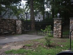 VICTORIAN STYLE IRON HAND MADE DRIVEWAY GATES  - FETY3