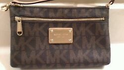 *NEW**MICHAEL KORS Designer Small bag Wrislet Brown Signature with gold trim