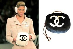 COLLECTIBLE RABBIT FUR CHANEL GLOVES MITAINS BAG CLUTCH 2001