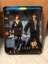 New In Box X-files Gift Set Barbie Agent Dana Scully And Ken Agent Fox Mulder