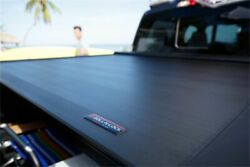 Roll-n-lock E Series 6.8and039 Truck Tonneau Cover For 17-20 Ford F-250 F-350 81.8