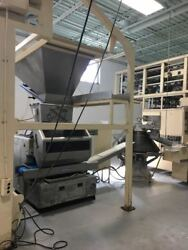 Oshikiri complete bread production line produces up to 9000 pieces an hour.