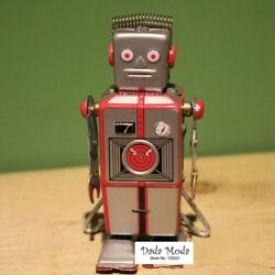 Antique Style Tin Toys Wind Up Robot Iron Metal Models Children/adult Decorate