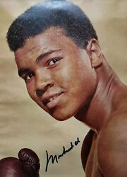 Muhammad Ali Outstanding Autoghaphed Certified And Framed Picture