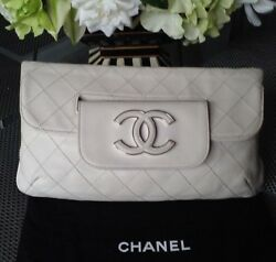 AUTH.CHANEL HANDBAG CLUTCH  WHITE LAMBSKIN LEATHER CC LOGO FOLD OVER TWO WAY USE