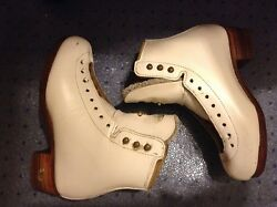 EUC Riedell Gold Star Freestyle boots only Girls Size 2 D-C wide Made in USA