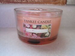 YANKEE JAR CANDLE 17 OZ FRESH CUT ROSES PINK 3 WICK CANDLE NEW