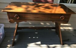Old Hickory Furniture Co. Martinsville, In Solid Hickory Dressing Table / Vanity