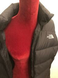 the NORTHFACE women#x27;s Designer puffy vest 700 fil M $59.50