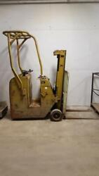 Yale 3 wheel 2500lb electric forklift, stand up rider, no battery