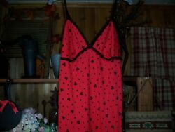 SECRET TREASURES LADIES SEXY LINGERIE SLEEPWEAR HEART DESIGN SIZE MED 8-10 RED