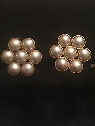 Gorgeous Darlene de Sedle Pearl Flower clip on earrings!