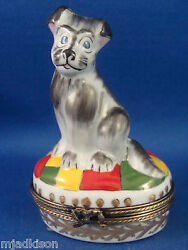 Gray Terrier - Dog Breed - Colorful Rug - authentic FRENCH LIMOGES box