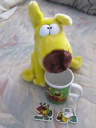 Vintage 1987 Mother Goose And Grimm Grimmy Plush Doll, Coffee Mug And 2 Fridge