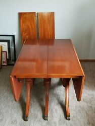 Vintage Duncan Phyfe Style Mahogany Drop Leaf Table With 2 Leafs.