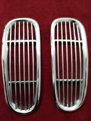 New Old Stock Genuine Bmw 2000 Cs Center Kidney Grill Has Some Scratches