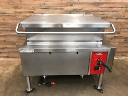 Vulcan VG40 Natural Gas Tilt Braising Pan or Tilt Skillet Automatic Lift