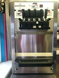 SPACEMAN ICE CREAM MACHINE 6265    MINT CONDITION