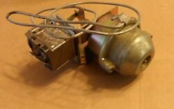 Nos 1960 Lincoln A/c Thermostatic Vacuum Electrical Switch C0lf-19a945a