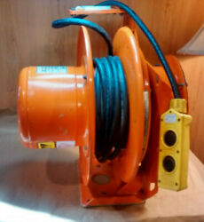 Hubbell Workplace G482 Heavy Duty Cord Reel Wired With Push Button Woodhead 4052