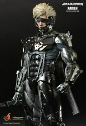 Hot Toys Metal Gear Rising Revengeance Raiden 1/6th Scale Collectible Figure