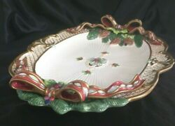 Fitz And Floyd Classics Christmas 3 D Pinecone Bows Florentine 18 Oval Platter