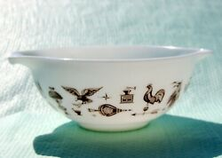 Pyrex Early American Cinderella 443 Mixing Bowl 2-1/2 Qt. White Used