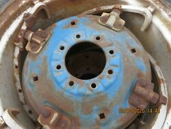 2000,3000, 2600,3600 Ford Tractor Spin Out Wheel Center W/ 8 On 8 Pattern 5/8 L