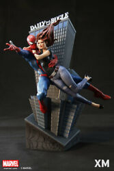 Mary Jane And Spider-man Limited Edition Of 388 Xm Studios