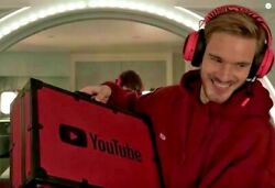 Pewdiepie Play button YouTube Creator Award BRIEFCASE Red Diamond 100 million