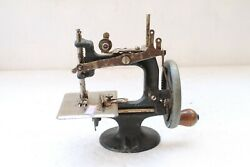 Vintage Peter Pan Toy Sewing Machine Made In Australia Collectible Nh4788